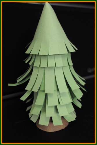 Christmas Tree Kids Crafts - Mini trees made of paper rolls!