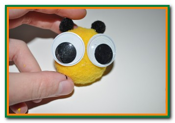 pinecone bumble bee craft step by step