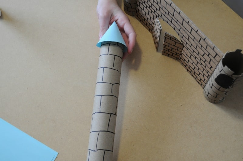 Create castle tower - toilet paper roll craft