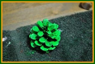 Pinecone Christmas tree step 1