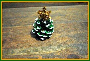 Pinecone Christmas tree step 5