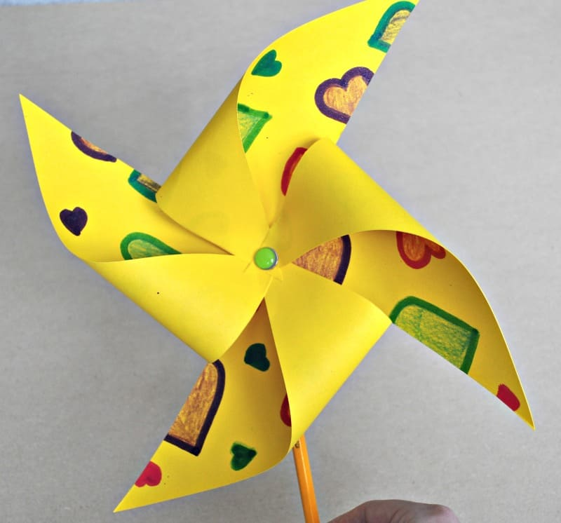 Summer paper windmill - step 6