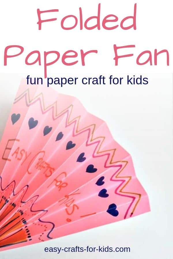 When it's too hot outside for the kids to play, make decorated folded paper fans. Lot of opportunities for imagination! #papercrafts #kidscrafts #easycraftsforkids #summercrafts