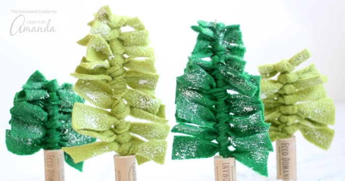 Felt Christmas Tree Centerpieces: great as gift toppers or holiday decor