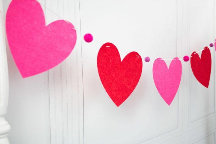 Heart Banner Tutorial; a Valentine's Day Craft Idea