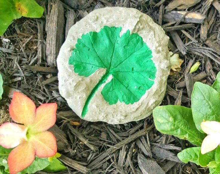 Make A Decorative Garden Stone with Leaf Imprint