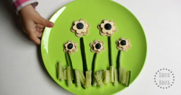 Cheese Flowers ~ a healthy snack that kids can help make! – Danya Banya