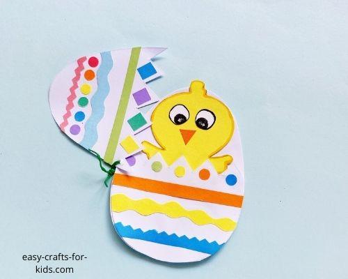 artesanía de pollito para la Pascua