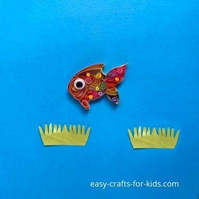 artesanía de peces de colores con papel