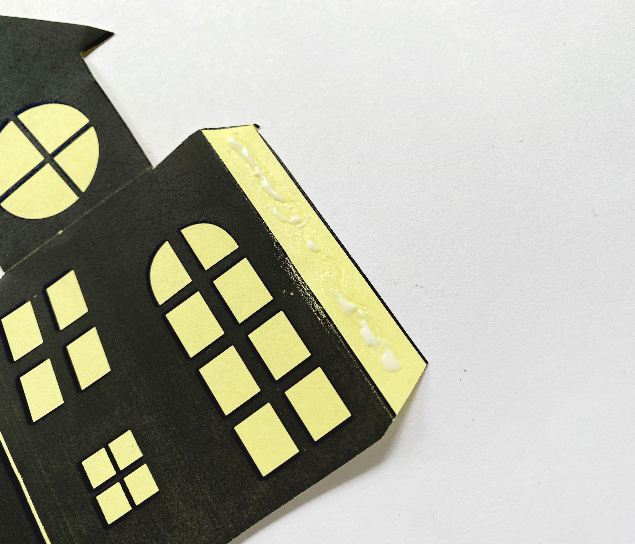 3D haunted house craft instructions
