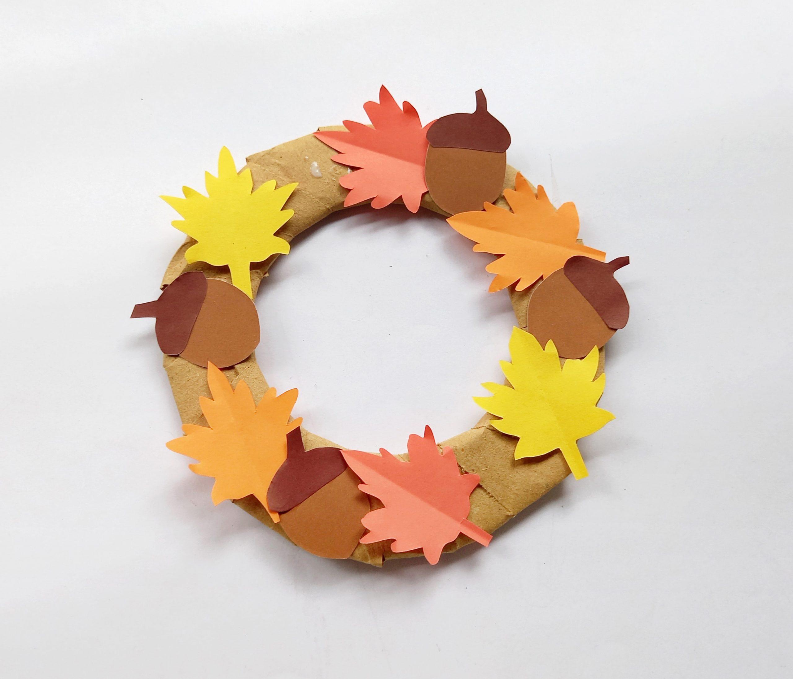 diy fall wreath craft with acorns