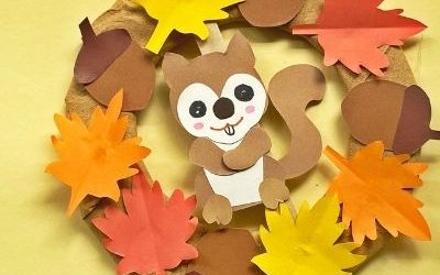 squirrel wreath craft with paper